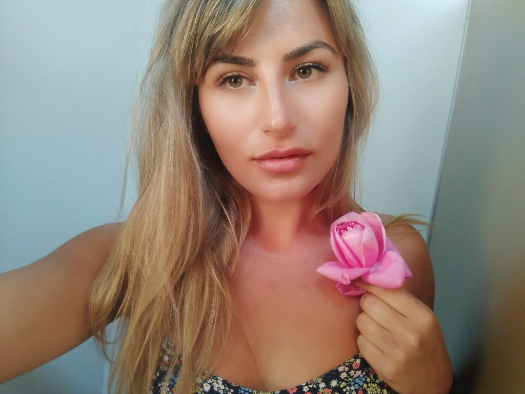 Deni reveals her ultimate beauty buys for the new season - BIKINI GIRLS DIARY