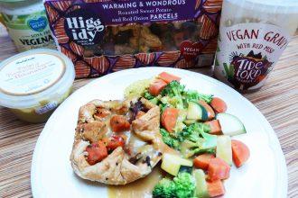 Baked Higgidy pie with veg and vegan gravy and turmeric hummus - delish! - Bikini Girls Diary